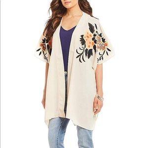 NWT Gibson Latimer   oversize kimono embroidered